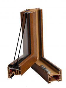 Sezione angolo finestra con profilo Avant